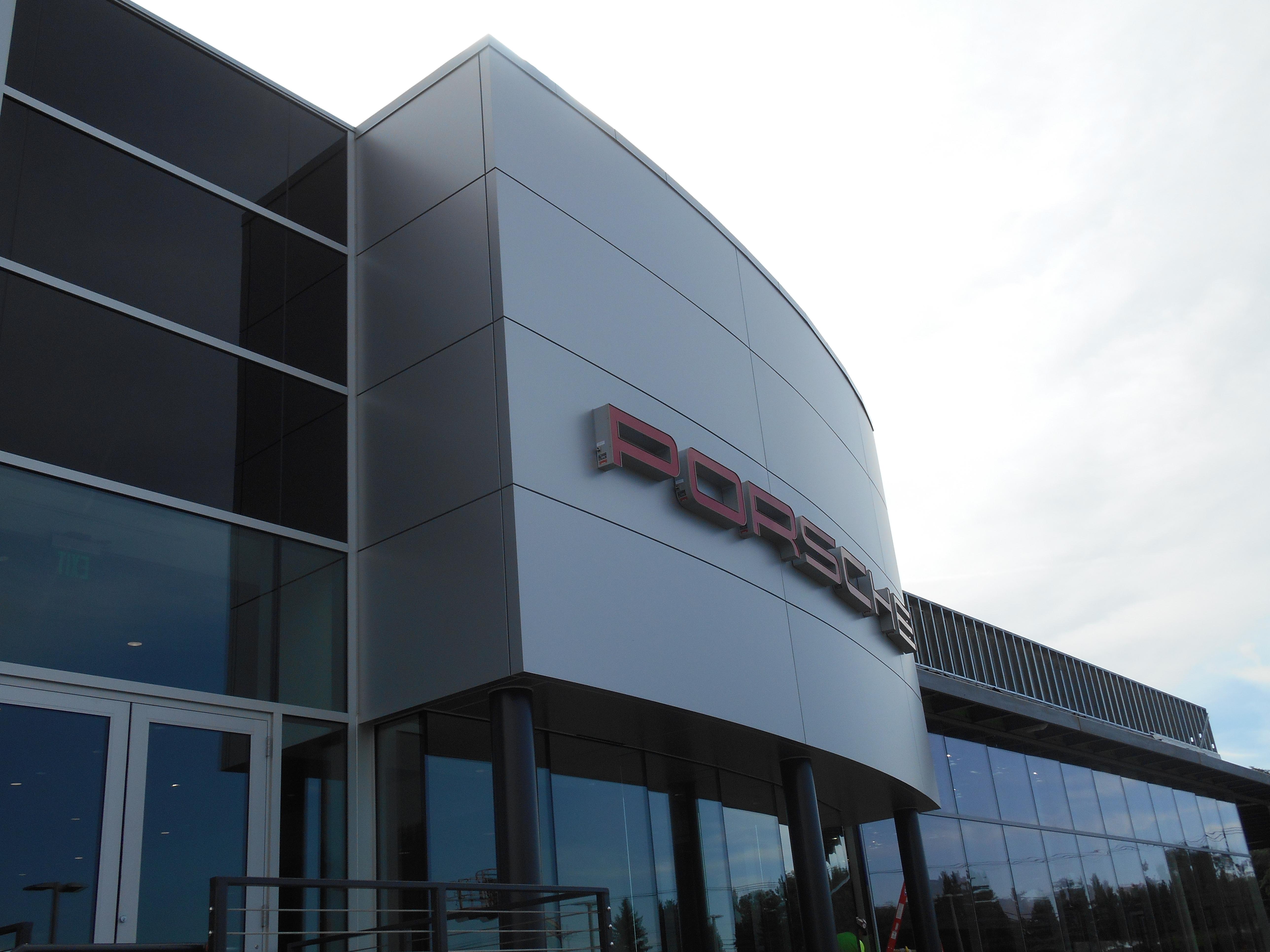 Orlando Kia North >> C4000 rain screen panels SAF – Southern Aluminum Finishing Co, Inc.